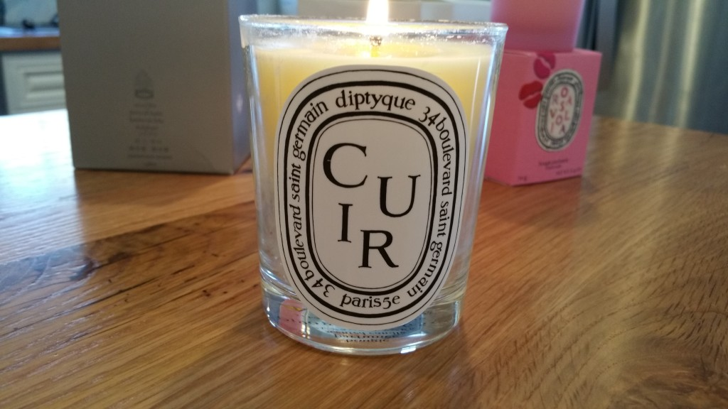 Diptyque candle Cuir - review