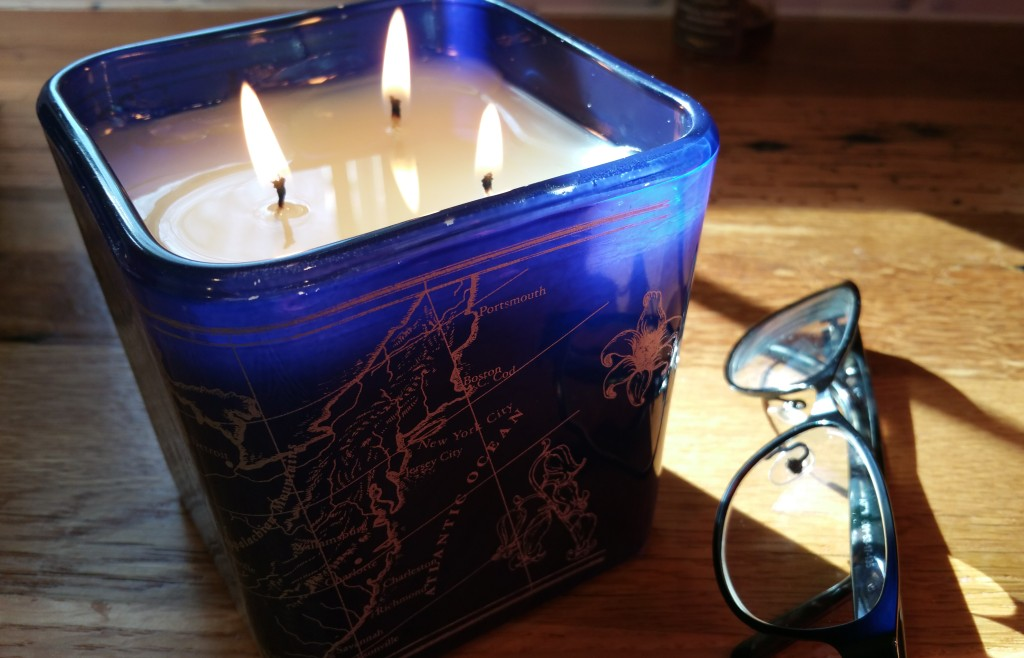 """Be the Light NYC - American Bluebell Bliss Candle (""""Gratitude"""")"""