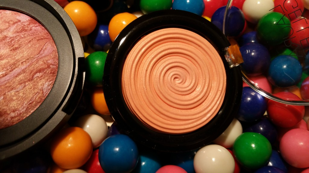 Laura Geller Baked Gelato Vivid Swirl Blush in Cantaloupe