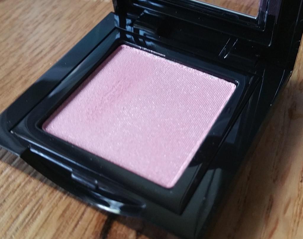Bobbi Brown Shimmer Wash Eye Shadow in Pink Chiffon #54