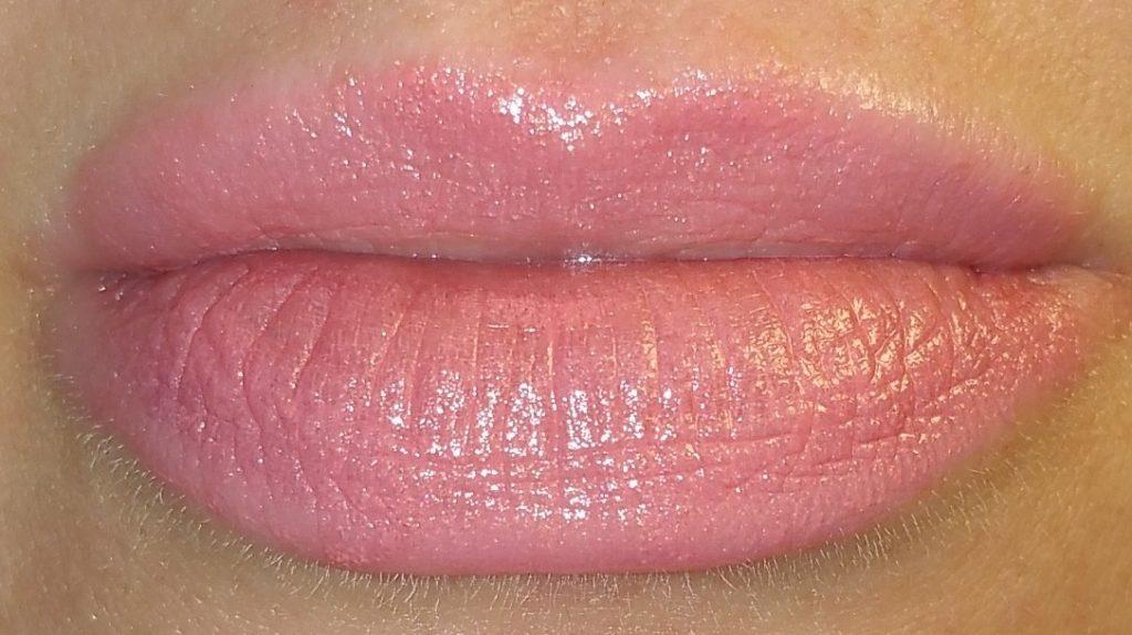 Bobbi Brown Sheer Lip Color in Peach Sorbet #20 - worn on lips